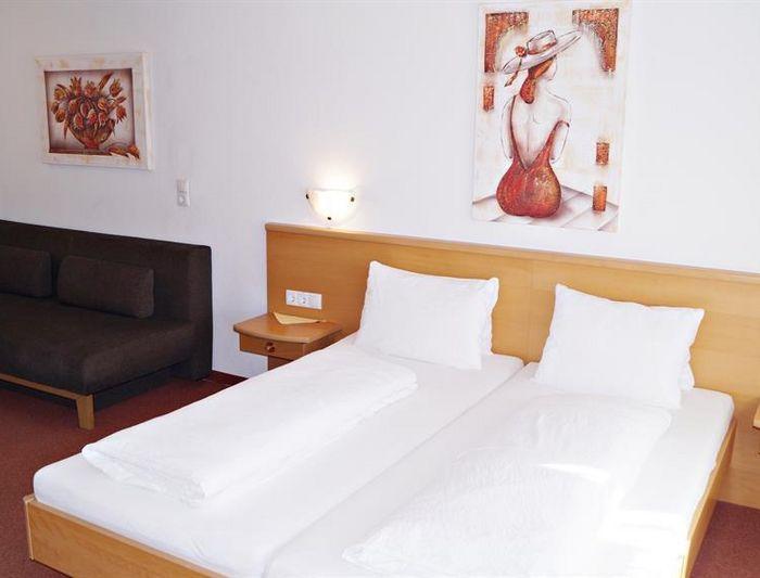 Beispiel Dreibettzimmer
